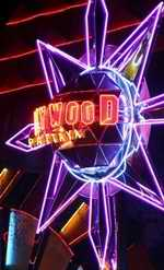 Hollywood neon